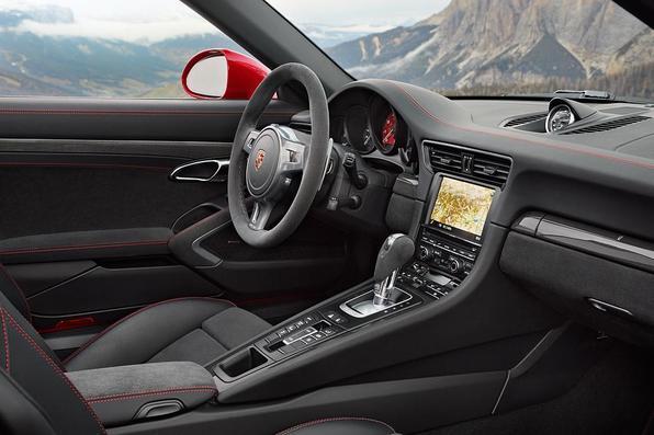 Porsche  faz  lançamento mundial do 911 Targa 4 GTS e do Cayenne Turbo S