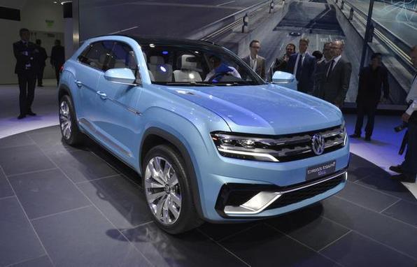 Cross coupé GTE Concept: O SUV híbrido é um conceito que antecipa o futuro lançamento da Volkswagen para o mercado americano. Traz design frontal que, segundo a marca, será o mesmo do novo carro. Seus motores são um 3.6 FSI VR6 de 276 cv, a gasolina, mais dois elétricos, de 54 e 114 cv.