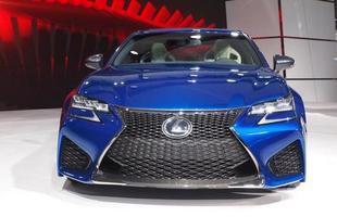 Lexus GS F: S ob o capô, o motor é um 5.0 V8 aspirado com 473 cv de potência 54 kgfm de torque e um câmbio automático de oito marchas. Com 1.830 kg, o GS F é mais leve que seus concorrentes. Possui quatro modos de condução, um deles destinado exclusivamente para as pistas.