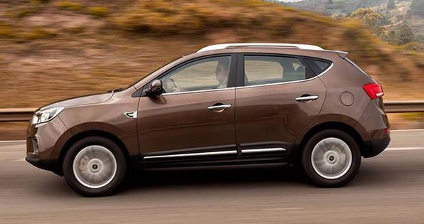 SUV é movido pelo motor 2.0 16V VVT JetFlex, que gera 155 cavalos com gasolina e 160 com etanol