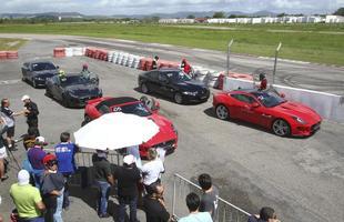 A Jaguar, fabricante inglesa de automóveis de luxo e super esportivos acampou no autódromo de Caruaru