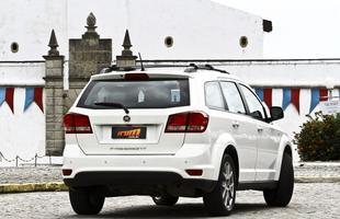 Fiat Freemont é opção familiar ou até para fins profissionais, mas é preciso ter paciência para estacionar