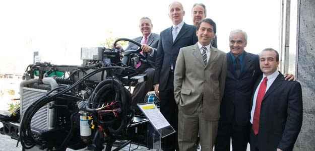 Executivos da MAN durante apresentação da linha 2012 em São Paulo (Malagrine/divulgação)