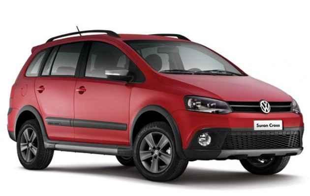 Para enfrentar estradas fora do asfalto e ao mesmo tempo trazer conforto no trânsito urbano, o modelo teve a suspensão elevada (Volkswagen / Divulgação)