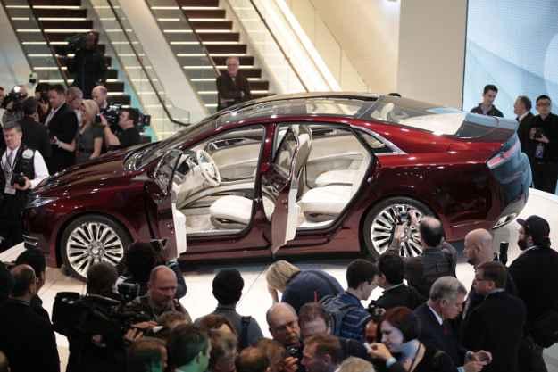 Lincoln MKZ Concept, um dos destaques do Salão de Detroit. A mostra internacional também exibe carros de luxo que circulam ou estarão em breve no mercado brasileiro (GEOFF ROBINS)