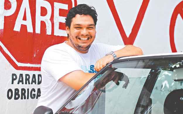 Para instrutor Ygor Valença, conhecer o funcionamento mecânico do carro é essencial (BLENDA SOUTO MAIOR/DP/D.A PRESS)