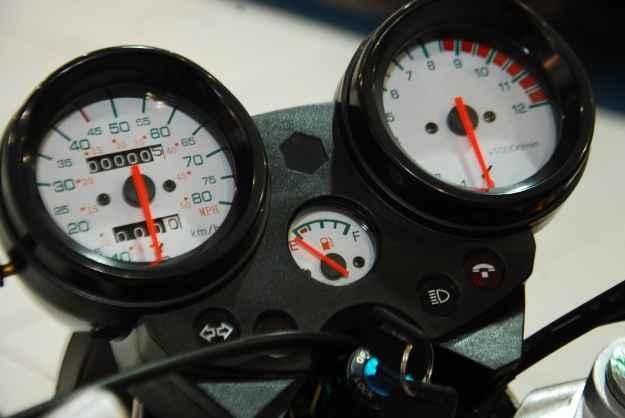 Painel clean tem veloc�metro e indicador de marcha (ROBERTO RAMOS/DP/D.A PRESS )