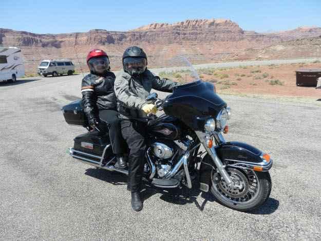 Toda a viagem foi feita no lombo de uma Harley-Davidson Electra Glide (Arquivo Pessoal/ Divulgação)