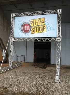 P�rtico do Pit Stop Fiat (Jorge Moraes/ DP/ D.A. Press)