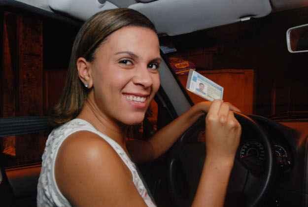 Paula realizou a prova pr�tica do Detran oito vezes (Nando Chiappetta/ DP/ D.A Press)