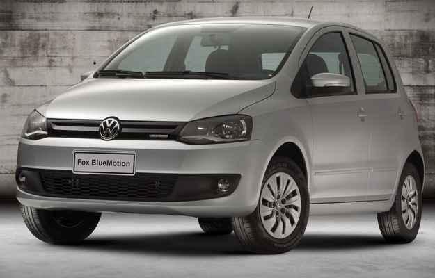 Novo fox ganhou grande frontal redesenhada e novas calotas (Volkswagen/divulga��o)