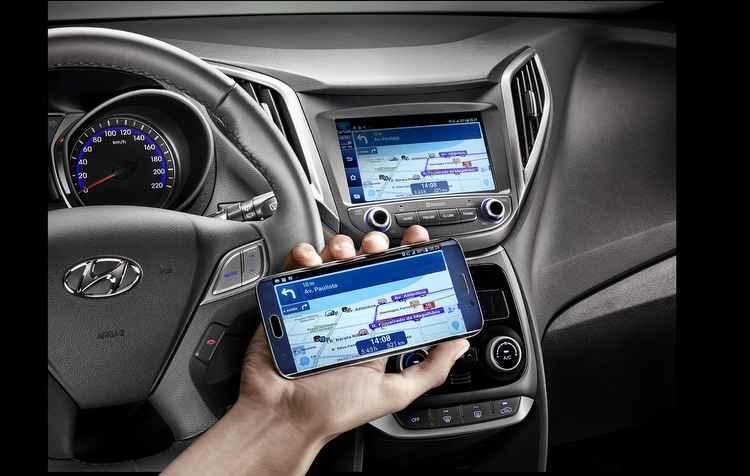 Conectividade reforçada através da nova central multimídia blueMedia, compatível com Car Link e Apple CarPlay - Hyundai/ divulgação