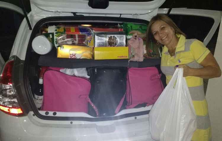 Elisa Alencar costuma locar o carro de presentes nas viagens ao Sertão, mas pretende diminuir a bagagem - Elisa Alencar / Divulgação