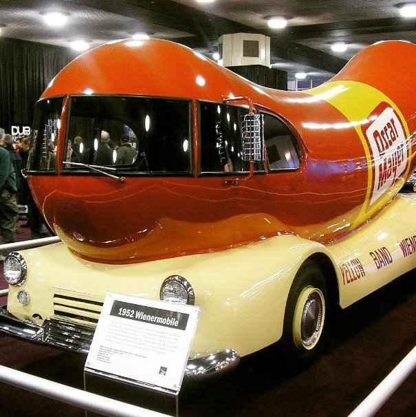1952 Wienermobile - Naias/divulgação