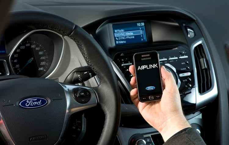 Sistema agora suporta atualização dos 16 aplicativos que funcionam na plataforma - Ford / Divulgação