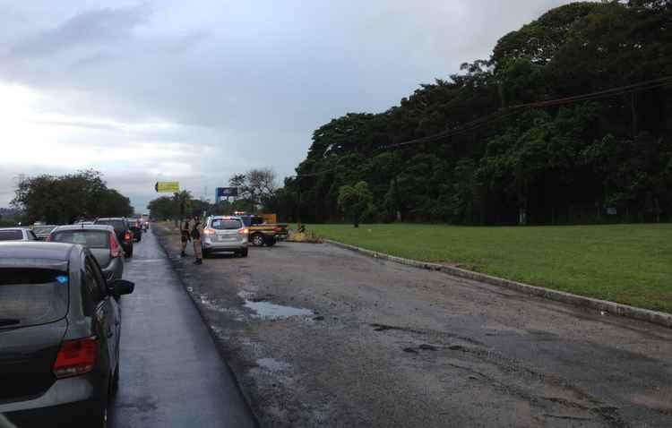 Com a falta de revisão e cuidados, cenas de carros parados nos acostamentos das estradas se tornam corriqueiras - Ana Claudia Dolores/DP/D.A Press