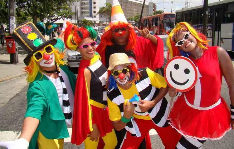 Turma do fom fom estará nas ruas durante o carnaval em ação educativa - Ed Wanderley / DP
