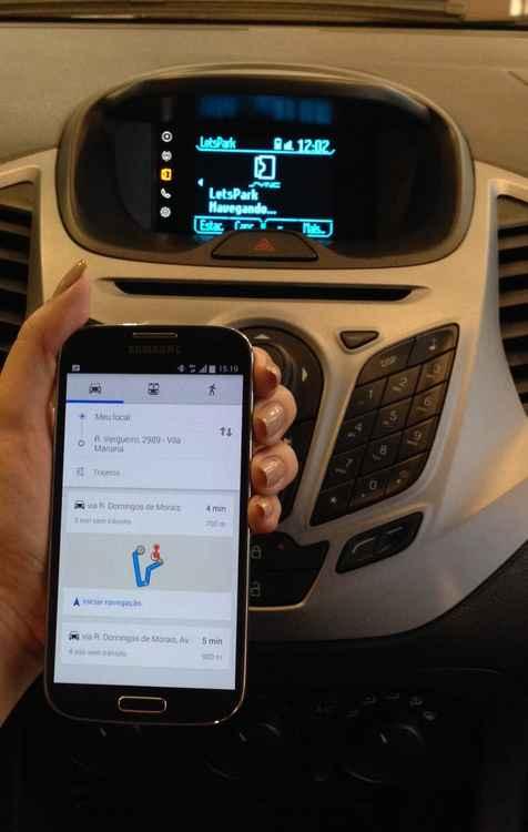 Aplicativo facilita, de uma maneira segura, o uso de smatphones dentro dos veículos - Ford / Divulgação