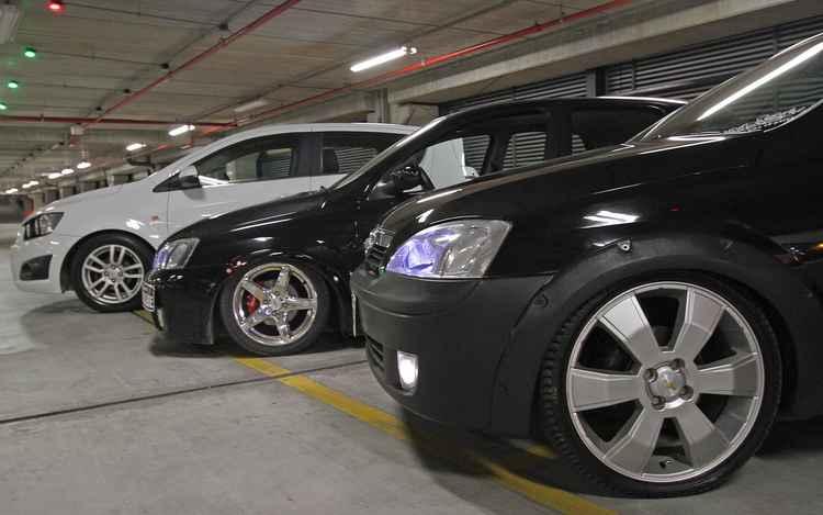 Carros estilizados no escontro Dia de Role - Roberto Ramos/ DP
