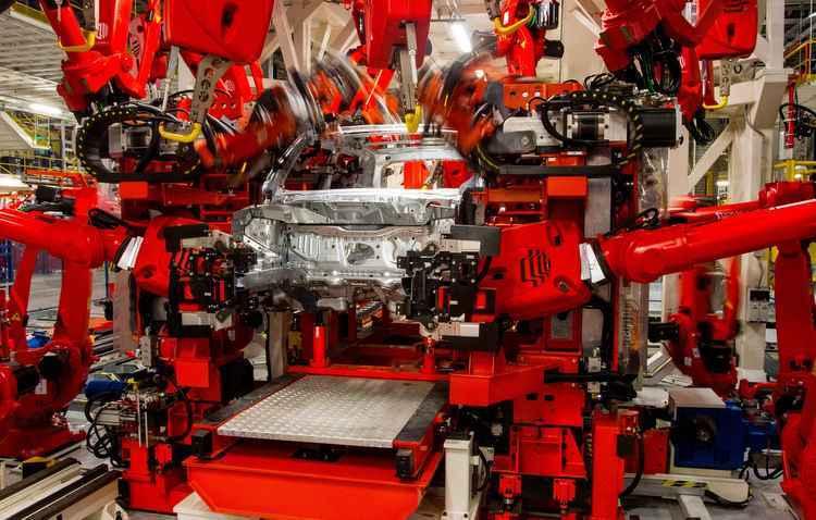 Fábricas operam com metade da capacidade - Jeep / Divulgação