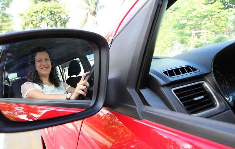 Ana Carla é proprietária de um Fox com câmbio manual, mas adora um automático. - Nando Chiappetta / DP