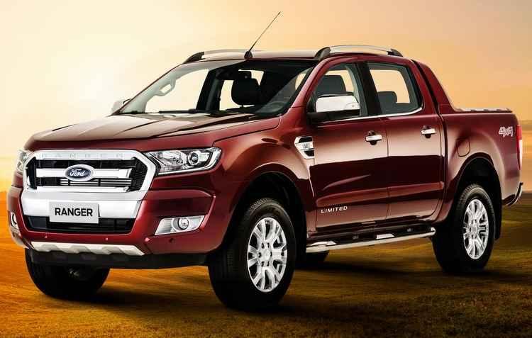 Limited vem equipada com motor 3.2, de cinco cilindros, que entrega 200 cv e câmbio automático de seis marchas - Ford / Divulgação