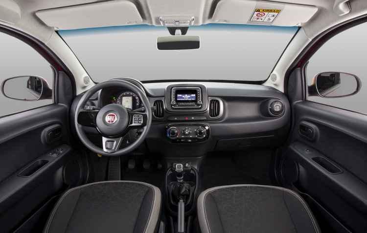 Interior é simples mas conectado - Fiat/ divulgação