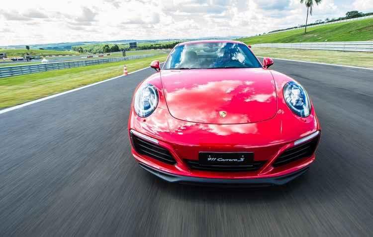 Podendo fazer de 0 a 100 em 3,9 segundos - Porsche / Divulgação