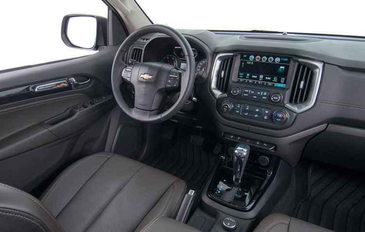 Quadro de instrumentos atualizados e sistema MyLink de segunda geração - Chevrolet / Divulgação