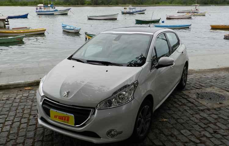 O Peugeot 208 se destaca como um dos veículos novos que menos polui e rende mais com o combustível - Luciana Morosini/DP/DA Press