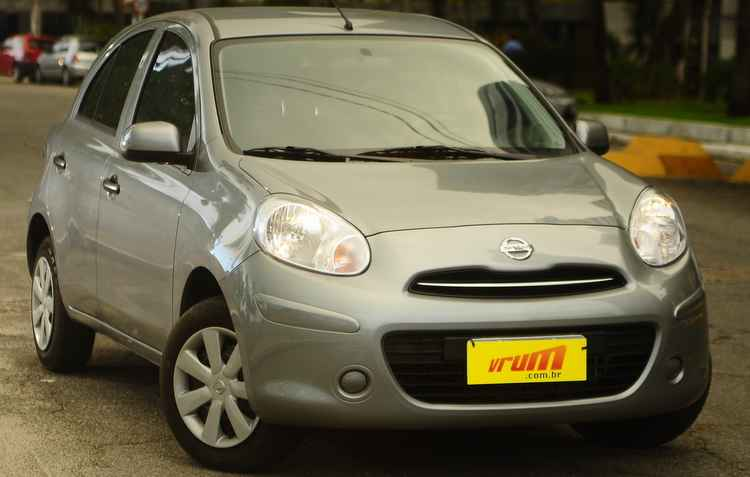Com entrada de R$ 6 mil é possível levar um Nissan March 1.6 2013 - Bernardo Dantas/DP