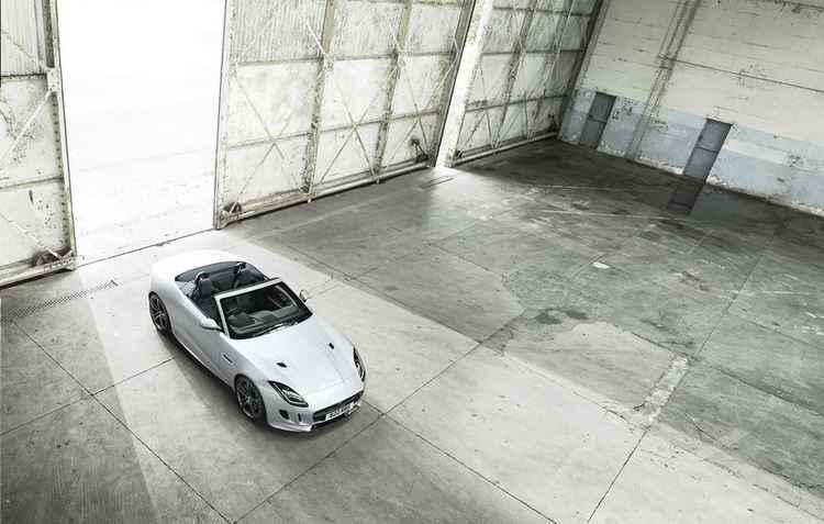 Visual exclusivo do British Design Edition foi inspirado nas cores da bandeira do Reino Unido - Jaguar / Divulgação