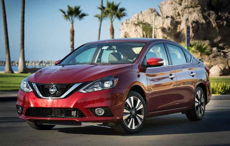 Sedã tem semelhanças visuais com o Altima: faróis mais alongados e grade dianteira mais larga - Nissan / Divulgação