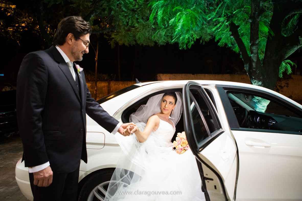 Mariana escolheu o carro do sogro, um Mercedes-Benz C180 - Clara Gouvea/ divulgação