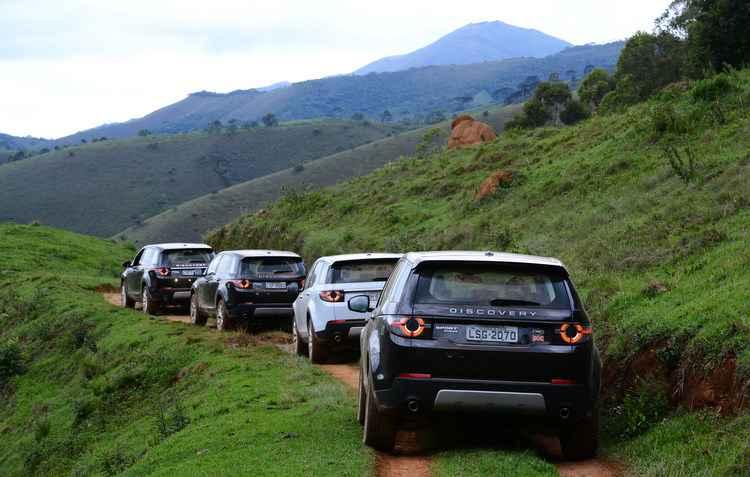 A autonomia com óleo do crossover é de 900 km - Fernanda Freixos / Divulgação