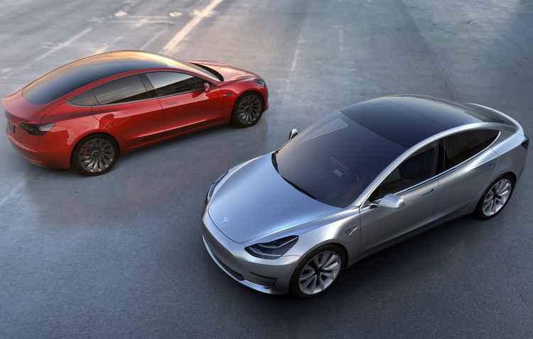 Tesla foi apontada como a montadora que mais se preocupa em atualizar softwares - Tesla / Divulgação
