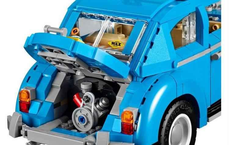 Traseira do carrinho guarda uma réplica em miniatura de um motor de quatro cilindros refrigerado a ar - Lego / Divulgação