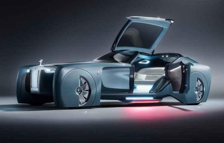 Teto levanta e projeta uma luz vermelha que simula um tapete vermelho - Rolls-Royce / Divulgação