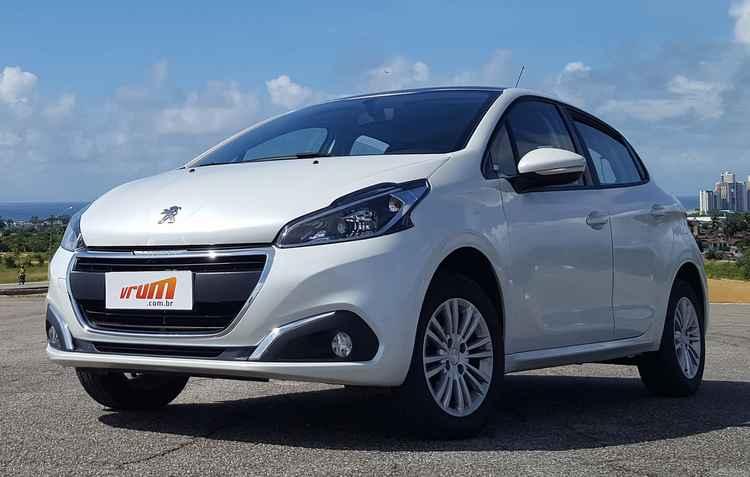 A Peugeot entrou na onda dos três cilindros coma a reestilização do 208 - Bruno Vasconcelos/DP