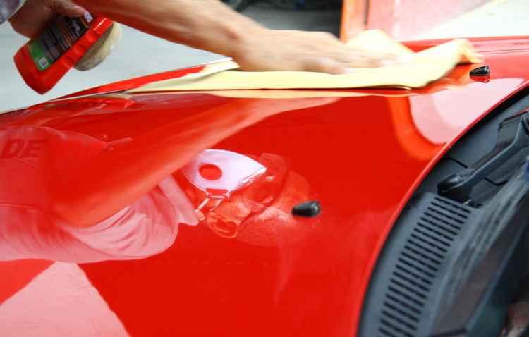 Repintura exige técnica e limpeza do ambiente - Lais Telles / Esp. DP