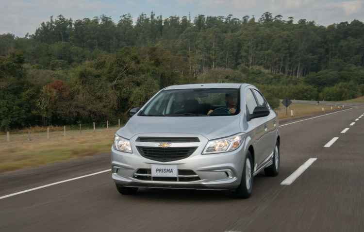 Dentre os itens de série estão direção elétrica progressiva, ar-condicionado e vidros dianteiros elétricos, além dos freios ABS e airbag duplo - GM / Divulgação