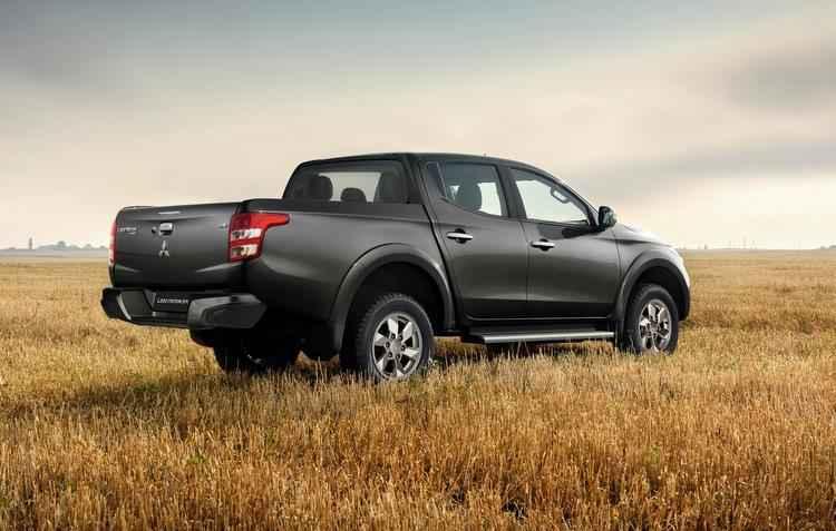 Veículo conta com o Brake Override System, BOS, que monitora constantemente os sinais do freio e acelerador - Mitsubishi / Divulgação