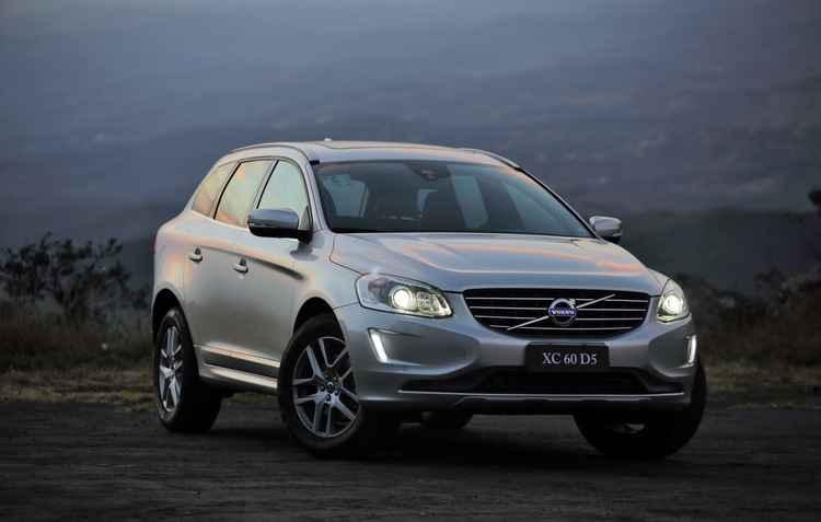 Sem novidades no visual, modelo tem motor 2.4 que faz 9,5 km/l na cidade - Volvo / Divulgação