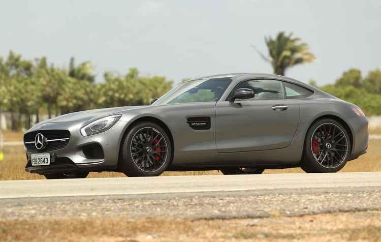 Superesportivo GT S, um dos mais cobiçados tem motor 4.8 V8 biturbo e 510 cv - Mercedes / Divulgação