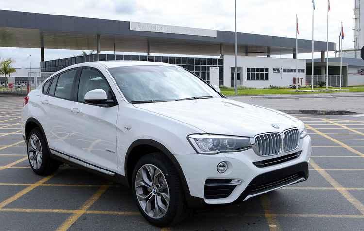 Produção na fábrica de Araquari deve aumentar em 50% o emplacamento do modelo - BMW / Divulgação