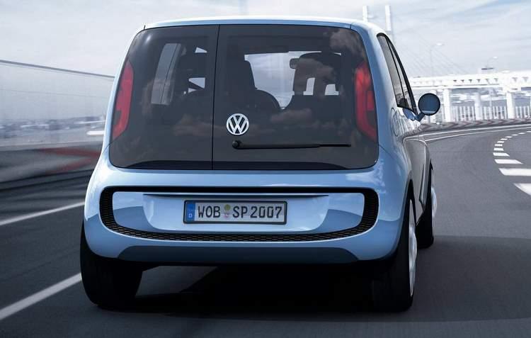 Na traseira aparecem mudanças no para-choque, como novos recortes e refletores nas extremidades - Volkswagen / Divulgação