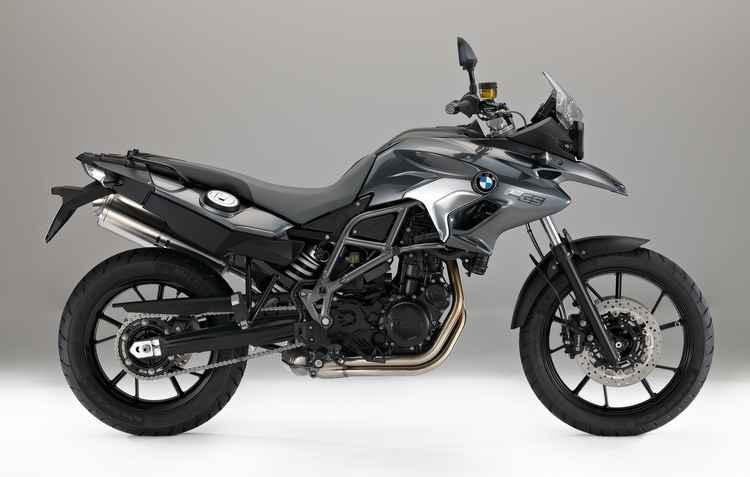 Como característa de uma big trail, a F 700 GS pode ser utilizada tanto no asfalto, quanto off-road - BMW / Divulgação