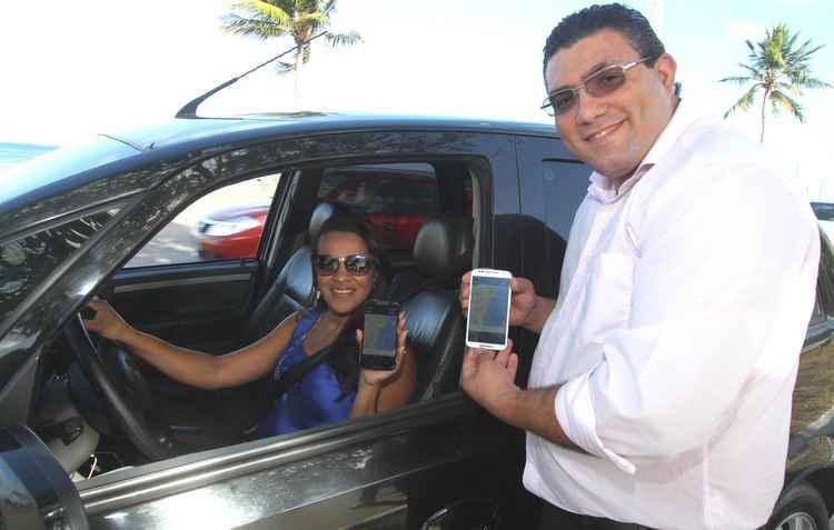 Viviane e Manassés alteraram o seguro para se sentirem mais protegidos em caso de acidentes  - Nando Chiappetta / DP