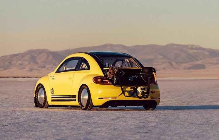 O Deserto de Sal de Bonneville, nos Estados Unidos, foi o local escolhido para a corrida - Volkswagen / Divulgação