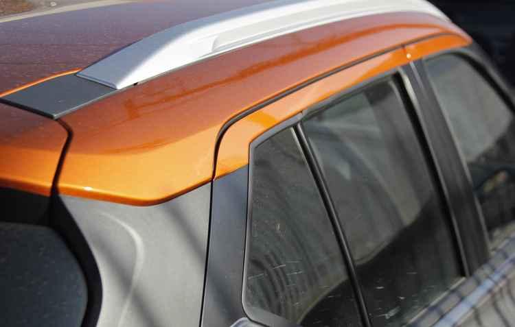 Adesivo transparente é imperceptível e protege a lataria do automóvel, dando até mais brilho  - Shilton Araujo / Esp DP